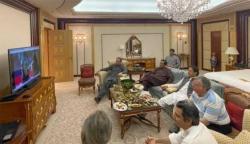 بھارت کے خلاف پاکستان کی تاریخی فتح: وزیر اعظم کی ٹیم کو مبارک باد